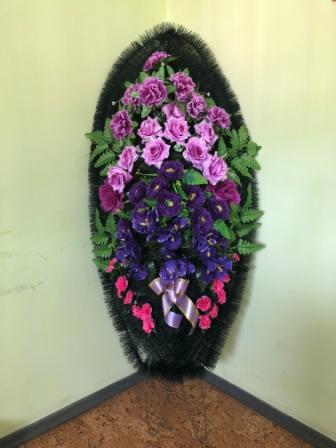 Похоронный венок из цветов