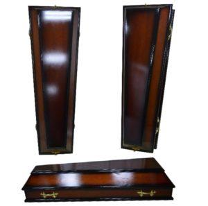 Гроб лакированный, выполнен из ели и сосны